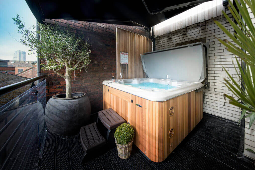 Hot Tub Apartments The bells Leeds Great George Serviced apartment
